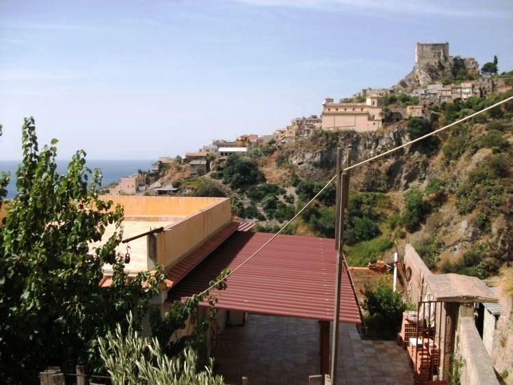 Villa in vendita a Messina, 3 locali, prezzo € 115.000 | Cambio Casa.it