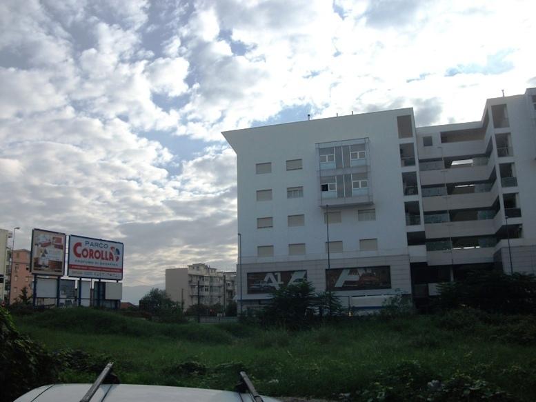 Negozio / Locale in affitto a Messina, 1 locali, prezzo € 800 | Cambio Casa.it